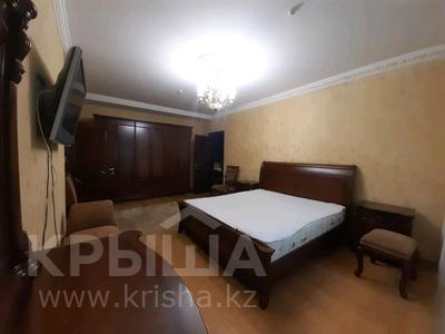 5-комнатная квартира, 182 м², 25/33 этаж помесячно, Кабанбай батыра 11 за 300 000 〒 в Нур-Султане (Астана), Есиль р-н — фото 3