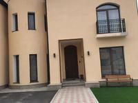 5-комнатный дом помесячно, 300 м², 6 сот.