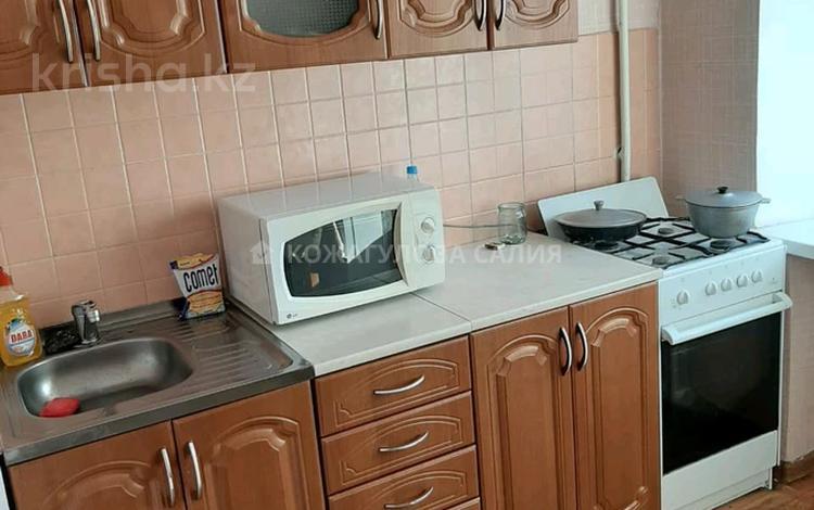 1-комнатная квартира, 36 м², 2/5 этаж помесячно, Амангельды Иманова 32 за 80 000 〒 в Нур-Султане (Астана), р-н Байконур