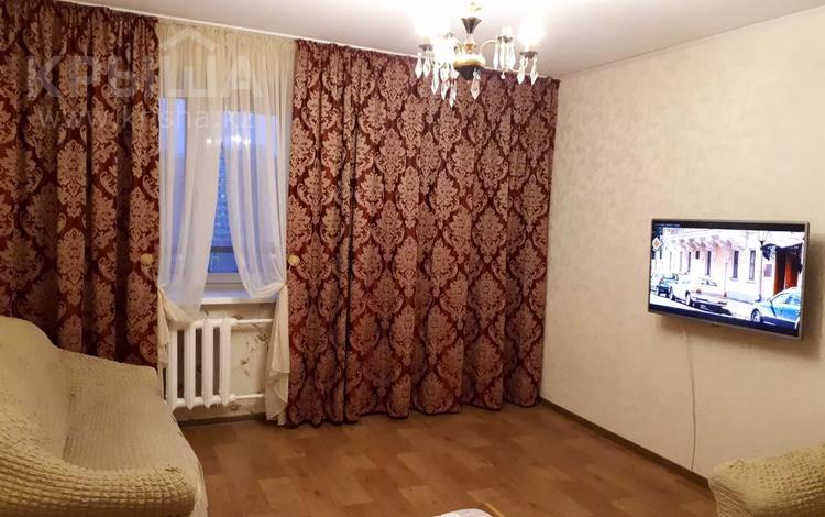 1-комнатная квартира, 38 м², 9/12 этаж посуточно, Казахстан 70 за 7 000 〒 в Усть-Каменогорске