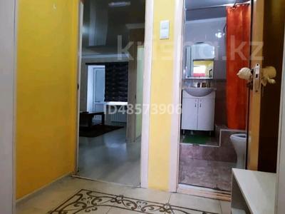 1-комнатная квартира, 35 м², 4/5 этаж посуточно, Шугыла 4 — Бухарбай батыр за 7 000 〒 в  — фото 7