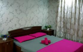 1-комнатная квартира, 50 м², 6/9 этаж посуточно, Достык 12 — Сауран за 10 000 〒 в Нур-Султане (Астана), Есиль р-н