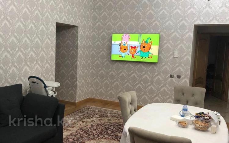 2-комнатная квартира, 95 м², 1/7 этаж, мкр Мирас, Аскарова Асанбая — Аль-Фараби за 57 млн 〒 в Алматы, Бостандыкский р-н