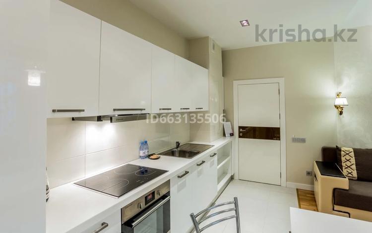 1-комнатная квартира, 45 м², 8 этаж посуточно, Кунаева 14г за 11 000 〒 в Нур-Султане (Астана), Есиль р-н