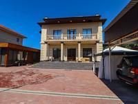 9-комнатный дом, 500 м², 8 сот.