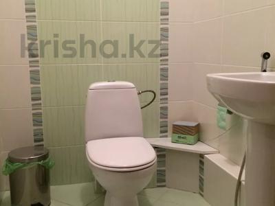 2-комнатная квартира, 90 м², 7/13 этаж, Тыныбаева 33 за 40 млн 〒 в Шымкенте, Аль-Фарабийский р-н — фото 3
