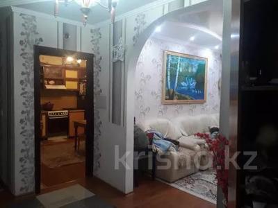 3-комнатная квартира, 75 м², 1/10 этаж, проспект Шахтёров 74 за 14.3 млн 〒 в Караганде, Казыбек би р-н — фото 9