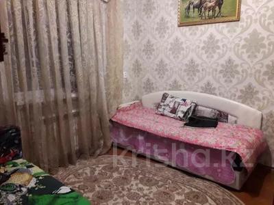 3-комнатная квартира, 75 м², 1/10 этаж, проспект Шахтёров 74 за 14.3 млн 〒 в Караганде, Казыбек би р-н