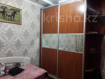 3-комнатная квартира, 75 м², 1/10 этаж, проспект Шахтёров 74 за 14.3 млн 〒 в Караганде, Казыбек би р-н — фото 2