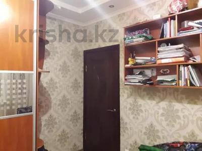 3-комнатная квартира, 75 м², 1/10 этаж, проспект Шахтёров 74 за 14.3 млн 〒 в Караганде, Казыбек би р-н — фото 3