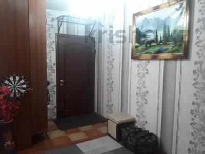 3-комнатная квартира, 75 м², 1/10 этаж, проспект Шахтёров 74 за 14.3 млн 〒 в Караганде, Казыбек би р-н — фото 7