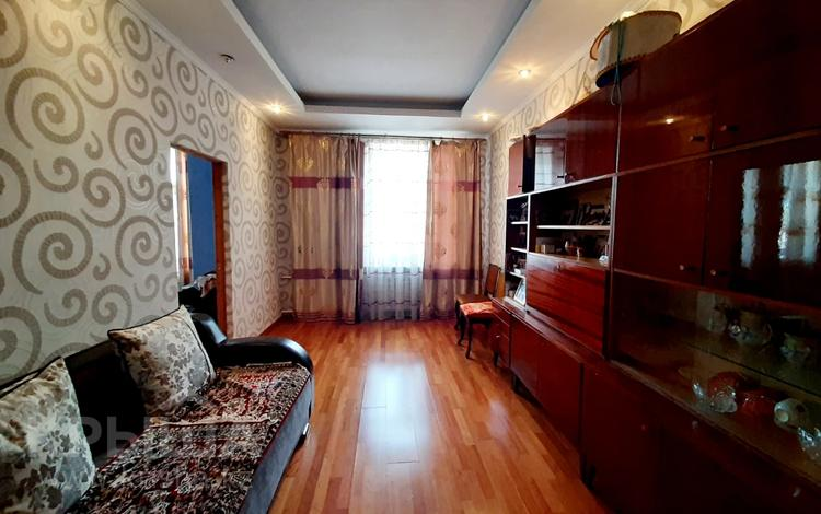 3-комнатная квартира, 94 м², 2/4 этаж, проспект Бухар Жырау за 34.5 млн 〒 в Караганде, Казыбек би р-н