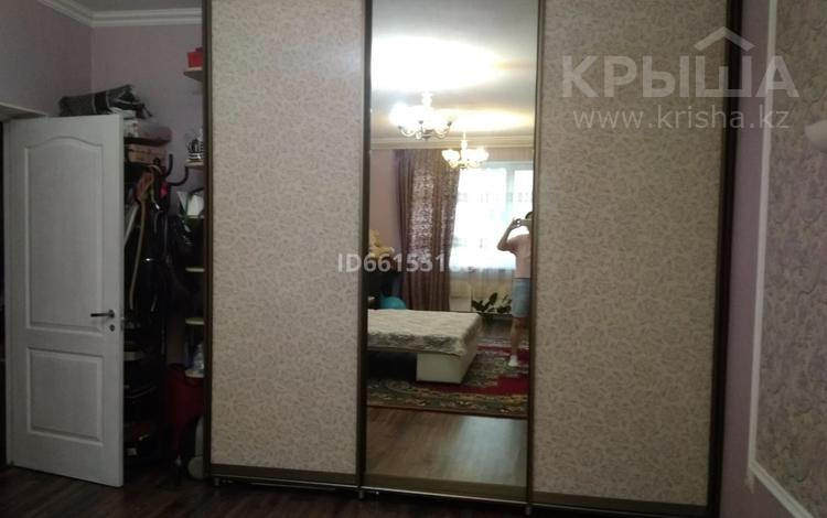 1-комнатная квартира, 53 м², 6/9 этаж, мкр Аксай-4 за 21.5 млн 〒 в Алматы, Ауэзовский р-н