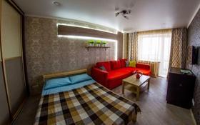 1-комнатная квартира, 50 м², 3/12 этаж посуточно, 12 мкр 37 а за 10 000 〒 в Актобе
