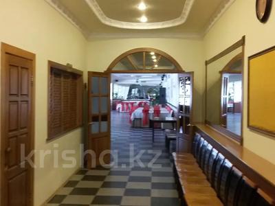 Здание, площадью 1100 м², Российская 8 — Геринга за 225 млн 〒 в Павлодаре — фото 5
