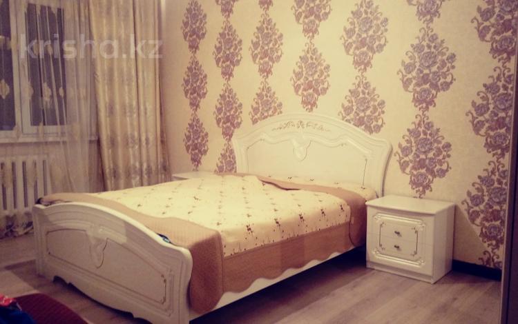 1-комнатная квартира, 45 м², 4/9 этаж посуточно, мкр Аксай-1А, Мкр. Аксай 32 за 5 000 〒 в Алматы, Ауэзовский р-н