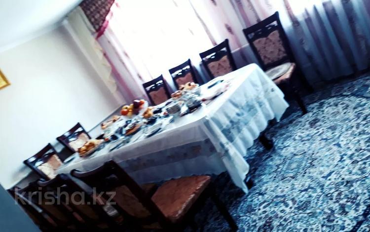 4-комнатный дом, 110 м², 6 сот., Жандосова 15 за 15 млн 〒 в Таразе