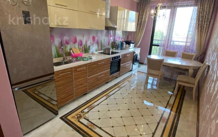 2-комнатная квартира, 90 м², 7/13 этаж, Шаляпина за 40.8 млн 〒 в Алматы, Ауэзовский р-н