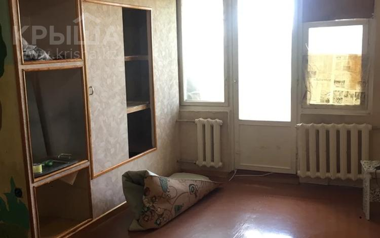 2-комнатная квартира, 55 м², 4/5 этаж, 11-й микрорайон, Уалиханова 95 — 11 мкр за 9.6 млн 〒 в Шымкенте, Енбекшинский р-н
