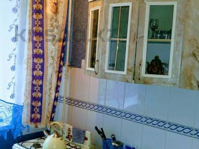 1-комнатная квартира, 33 м², 1/5 этаж, Курмангазы 163 — проспект Евразия за 8.5 млн 〒 в Уральске