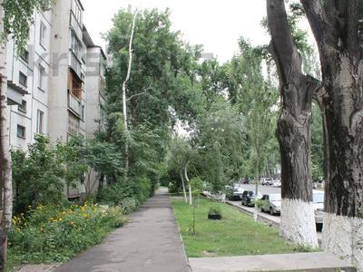 1-комнатная квартира, 36 м², 1/5 этаж посуточно, Байтурсынова — Макатаева за 8 000 〒 в Алматы, Алмалинский р-н — фото 9