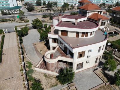 7-комнатный дом помесячно, 700 м², 21 сот., 4-й мкр 2a за 800 000 〒 в Актау, 4-й мкр — фото 11