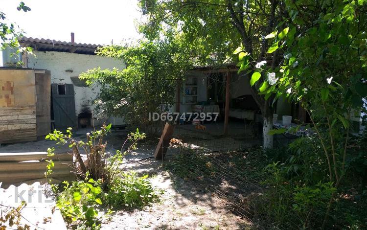 3-комнатный дом, 80 м², 6 сот., улица Алатау 40 за 3.5 млн 〒 в Шардара