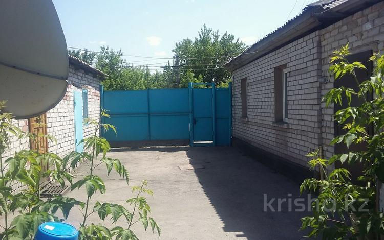 4-комнатный дом, 80 м², 4 сот., Гагарина — 8 марта за 14.5 млн 〒 в Семее