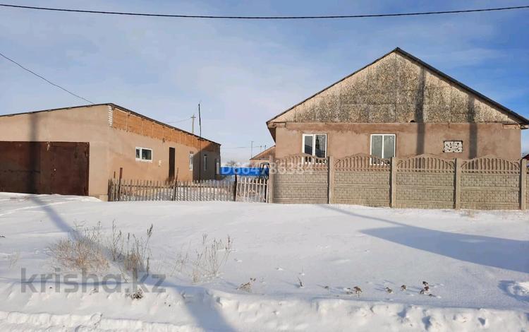 6-комнатный дом, 180 м², 10 сот., улица Оркен 11 за 9 млн 〒 в Максимовке