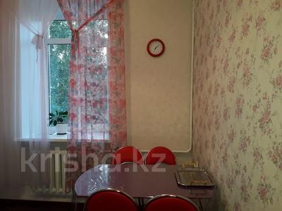 2-комнатная квартира, 60 м², 2/3 этаж посуточно, Момышулы 39 за 12 000 〒 в Семее — фото 4