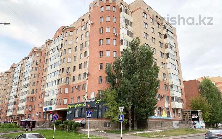 2-комнатная квартира, 75 м², 9/10 этаж, Иманбаева 8 — Иманова за 22 млн 〒 в Нур-Султане (Астана), р-н Байконур