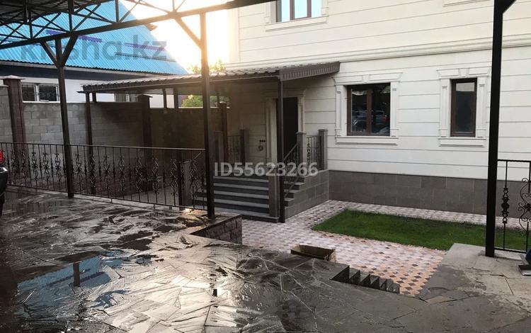 10-комнатный дом, 328 м², 7 сот., мкр Таугуль-3, Бекет ата 48 за 120 млн 〒 в Алматы, Ауэзовский р-н