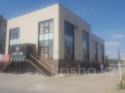 Здание, площадью 1000 м², Мкр Авангард-2 16Б за 300 млн 〒 в Атырау — фото 2