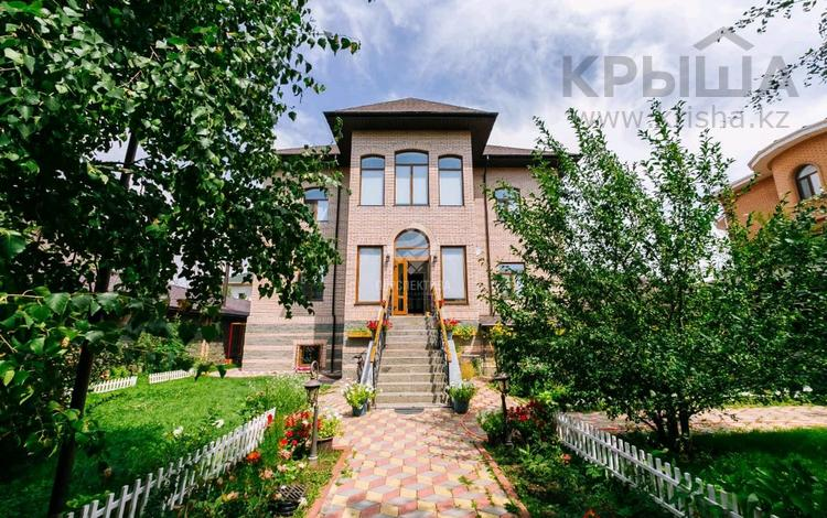 8-комнатный дом, 478 м², 10 сот., Кыз Жибек 79 за 265 млн 〒 в Нур-Султане (Астана), Есиль р-н