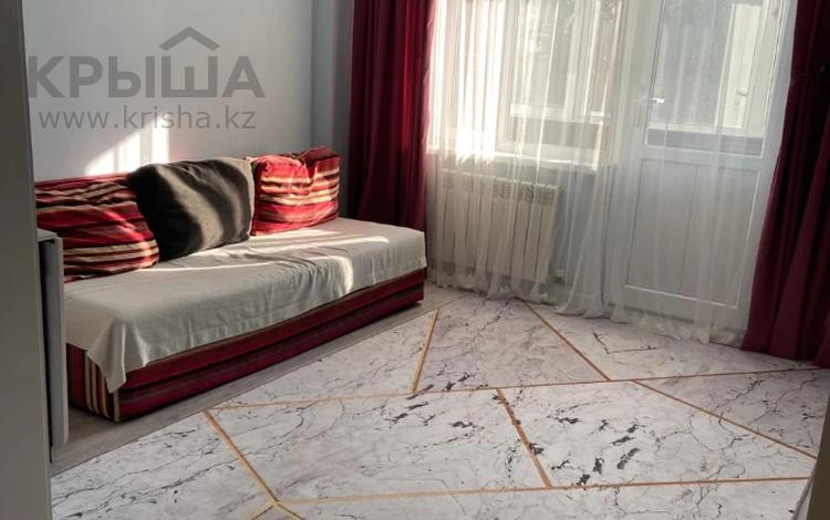 1-комнатная квартира, 40 м², 3/6 этаж, мкр Аксай-4, Мкр Аксай-4 за 17.5 млн 〒 в Алматы, Ауэзовский р-н