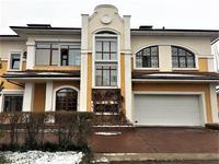 7-комнатный дом, 400 м², 10 сот.