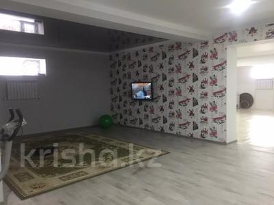 6-комнатный дом, 500 м², 5 сот., Холмогорская 16 за 90 млн 〒 в Актобе — фото 11