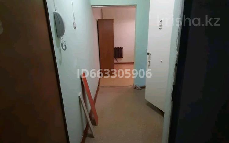 1-комнатная квартира, 42 м², 4/5 этаж, ул Койбакова 4 за 6 млн 〒 в Таразе