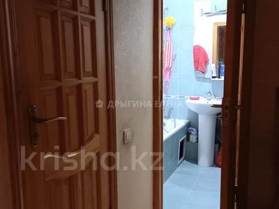 3-комнатная квартира, 70 м², 4/9 этаж, мкр Тастак-2, Брусиловского 21 — Толе би за 37.5 млн 〒 в Алматы, Алмалинский р-н