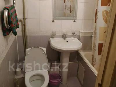 1-комнатная квартира, 32 м², 3/5 этаж по часам, Макатаева — Абылай хана за 1 000 〒 в Алматы, Алмалинский р-н — фото 4
