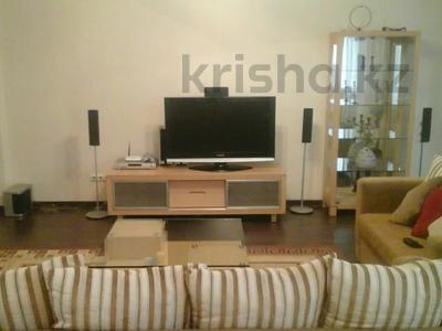 2-комнатная квартира, 85 м², 4/12 этаж помесячно, Масанчи 98а — Абая за 200 000 〒 в Алматы — фото 2