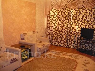 2-комнатная квартира, 54 м², 1/5 этаж посуточно, Бр.Жубановых 289 за 8 000 〒 в Актобе