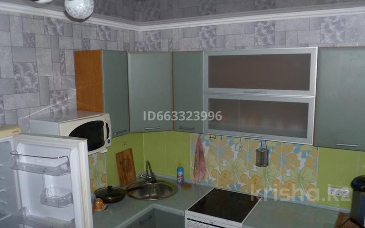 2-комнатная квартира, 55 м², 3/9 этаж, 8 микрорайон 46 за 11 млн 〒 в Темиртау