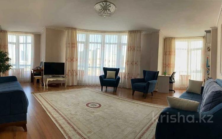 2-комнатная квартира, 85.2 м², 11/12 этаж, проспект Кабанбай Батыра 40 за 28.4 млн 〒 в Нур-Султане (Астана), Есиль р-н