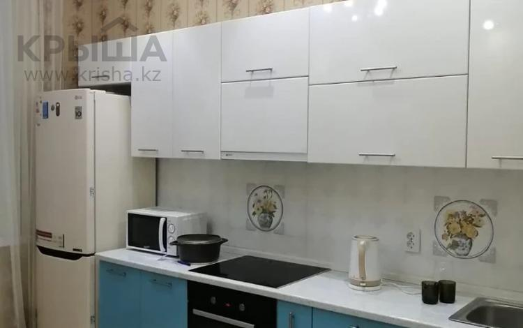 2-комнатная квартира, 70 м², 4/6 этаж помесячно, Кабанбай Батыра 58Б за 160 000 〒 в Нур-Султане (Астана), Есиль р-н