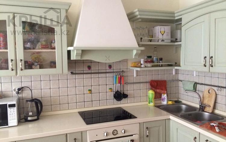 2-комнатная квартира, 90 м², 12 этаж помесячно, Мкр керемет 6 за 250 000 〒 в Алматы