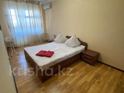 2-комнатная квартира, 80 м², 4 этаж посуточно, Сатпаева 48 за 12 000 〒 в Атырау