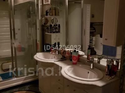 7-комнатный дом, 450 м², 12 сот., Мирный за 52 млн 〒 в Усть-Каменогорске — фото 11