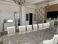 5-комнатная квартира, 170 м², 10/14 этаж, 17-й мкр 7 за 70 млн 〒 в Актау, 17-й мкр