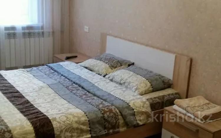 1-комнатная квартира, 35 м², 2 этаж посуточно, 8 микрорайон 4 А за 8 000 〒 в Шымкенте, Абайский р-н